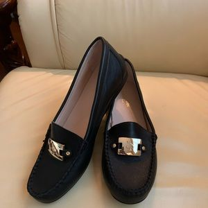 NWOB Kate Spade New York Black Leather Loafers Sz7